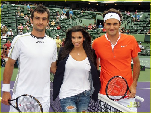 Roger Federer at the Sony Ericsson Open 2010 टेनिस tournament in Miami