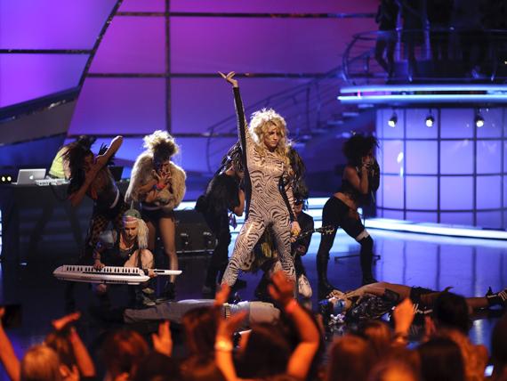So You Think You Can Dance Australia March 25th kesha 11151826 570 428 - Kesha