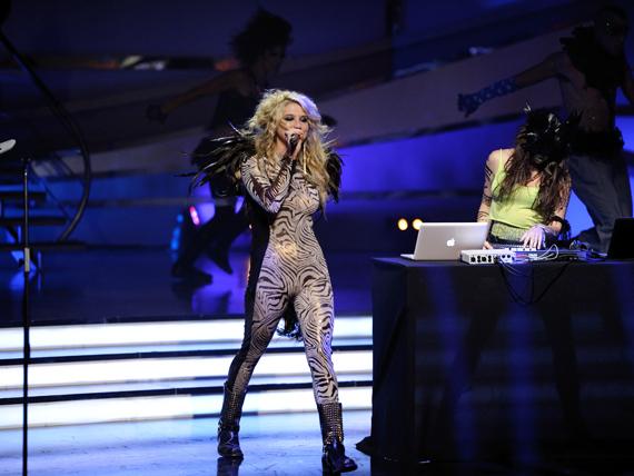 So You Think You Can Dance Australia March 25th kesha 11151834 570 428 - Kesha