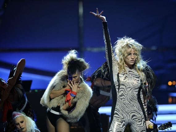 So You Think You Can Dance Australia March 25th kesha 11151835 570 428 - Kesha