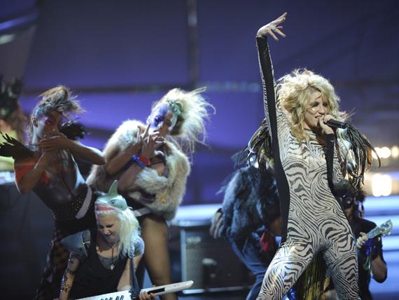 So You Think You Can Dance Australia March 25th kesha 11151836 570 428 - Kesha
