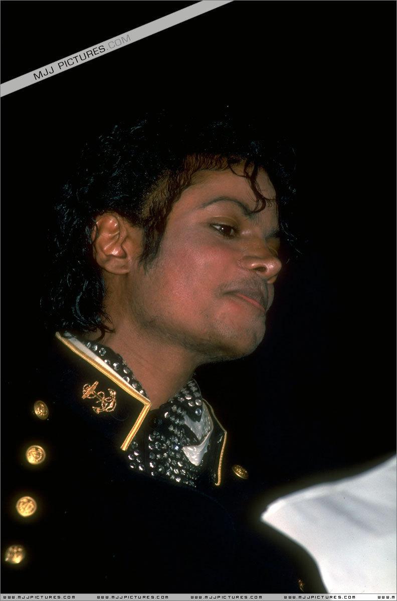 Thriller > Awards & Special Performances > гиннес, guinness, гиннесса Book Of World Records