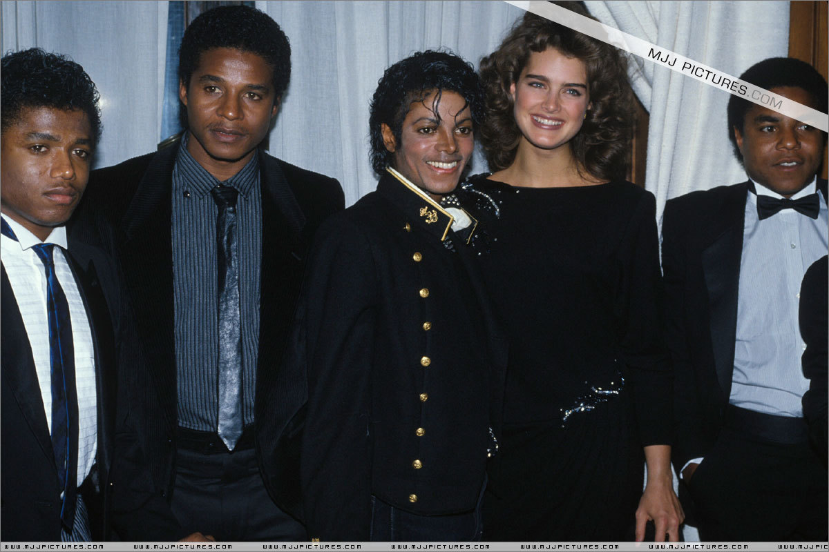 Thriller > Awards & Special Performances > гиннес, guinness, гиннесса Book Of World Records