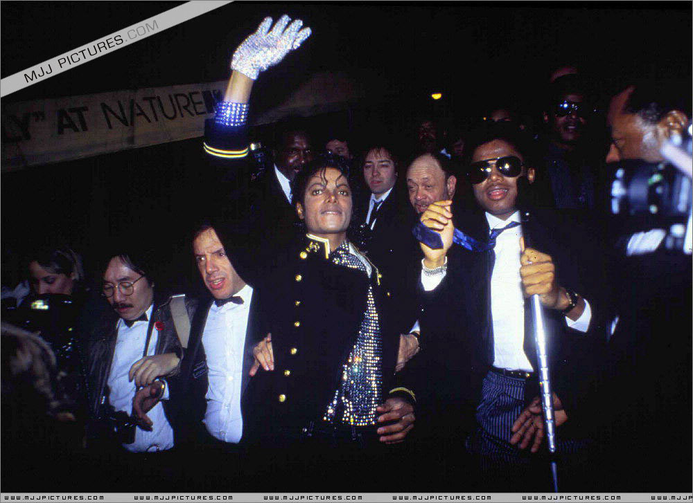 Thriller > Awards & Special Performances > guinneß, guinness Book Of World Records