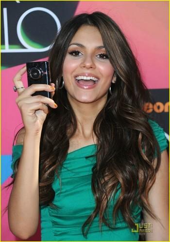 Victoria @ 2010 Kids Choice Awards