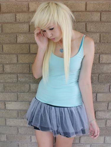 blonde scene girl