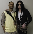 2006-2008 / 2006 / 2006 Japan MTV Video Music Awards / Backstage @ JMTV VMA 06' / 8 - michael-jackson photo