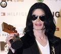 2006 Japan MTV Video Music Awards / Press Room  - michael-jackson photo