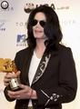 2006 Japan MTV Video Music Awards / Press Room  - michael-jackson photo