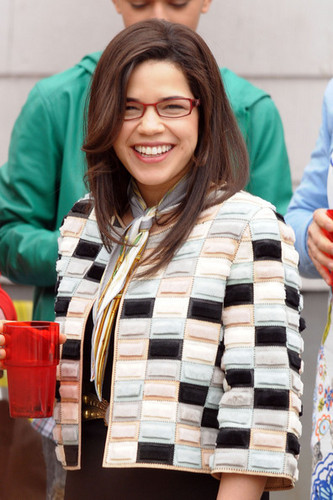 """Cast Of """"Ugly Betty"""" On Set Of Final Episode"""