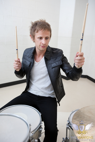 Dominic Howard photoshoot 2010 oleh Will Hawkins