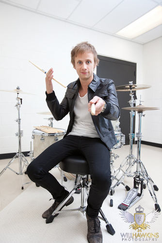 Dominic Howard photoshoot 2010 द्वारा Will Hawkins