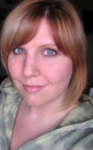 Green Eyes & Matching Hoodie