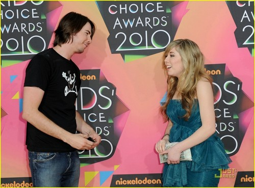 Jennette @ 2010 Kids Choice Awards