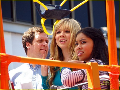 Jennette & Ashley