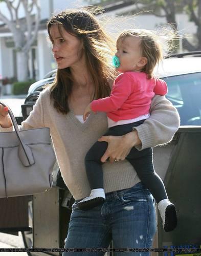Jennifer & Seraphina