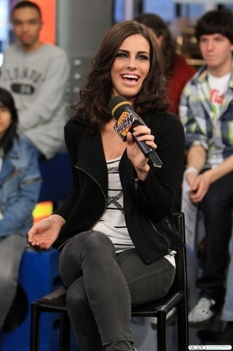 Jessica Lowndes on MuchMusic's Much On Demand TV mostra
