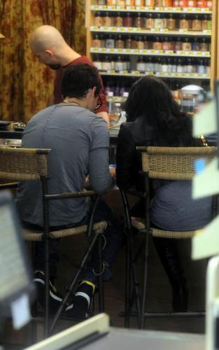 Joe Jonas and Demi Lovato at Erewhon Foods grocery store (April 3)
