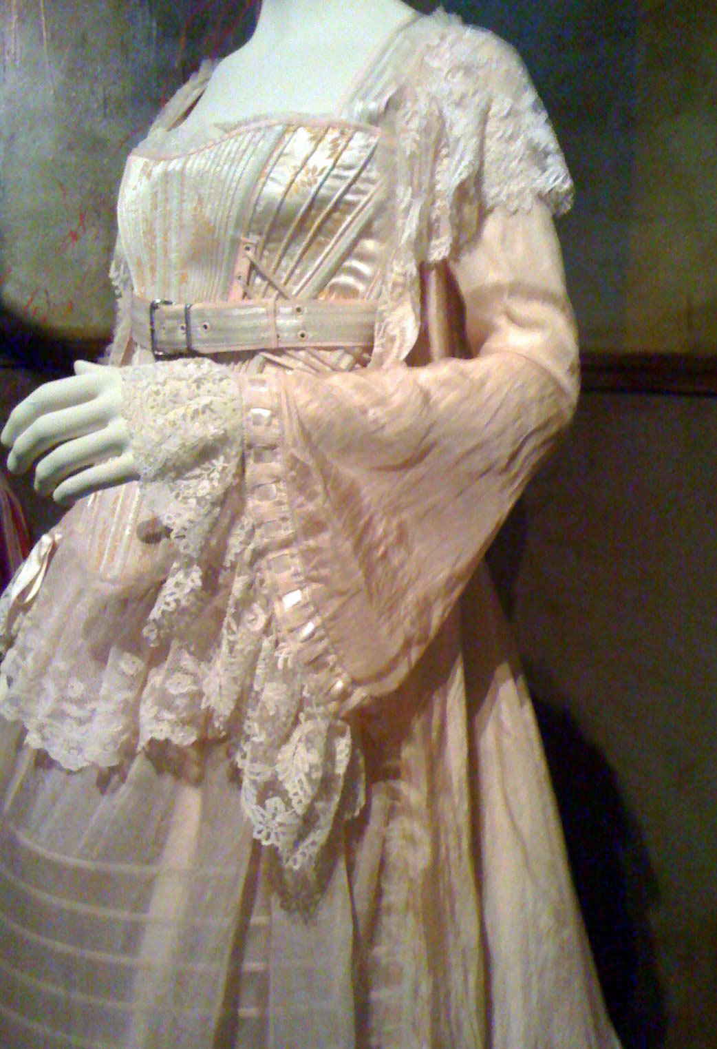 johannas pink dress sweeney todd photo 11208219 fanpop