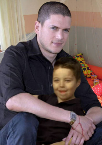 Prison Break - Michael Scofield with his son MJ