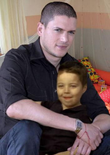 Prison Break - Michael Scofield with his son MJ