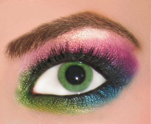 Beauty Products wallpaper called Rainbow Eyeshadow