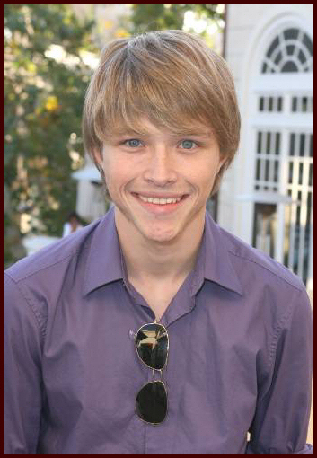 Sterling Knight - Picture Hot
