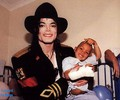 THE SWEETEST EVER!! - michael-jackson photo