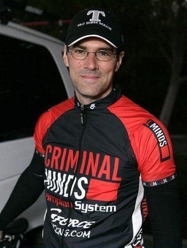 Thomas Gibson||2006