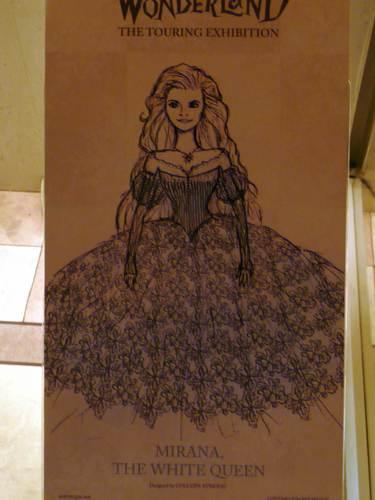 White 퀸 Costume sketch