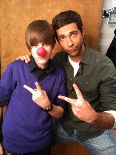 Zachary Levi & Justin Bieber - zachary-levi Photo