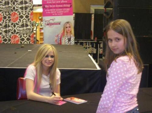 avril meeting a Фан