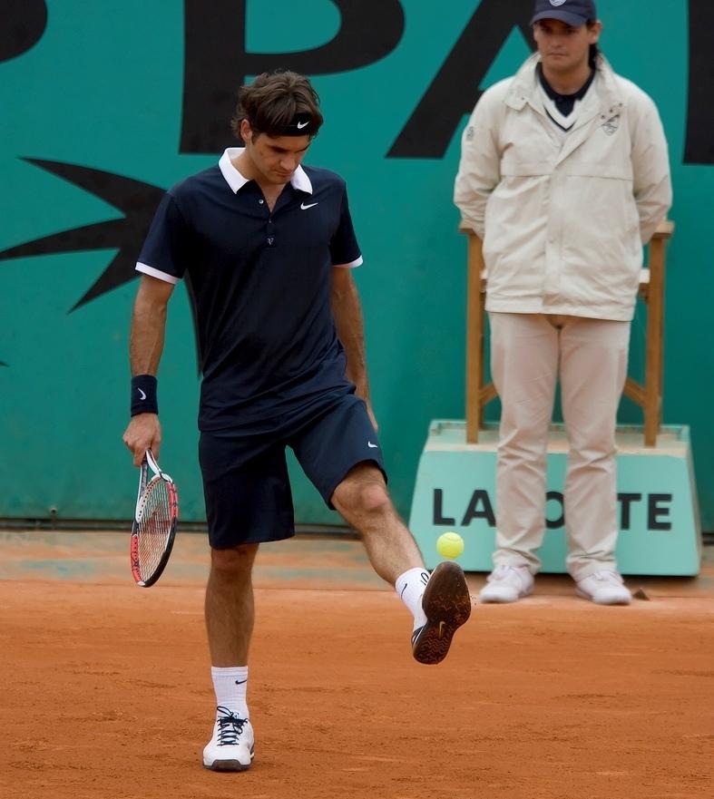 Roger divertido - Página 6 Federer-roger-federer-11242971-787-881
