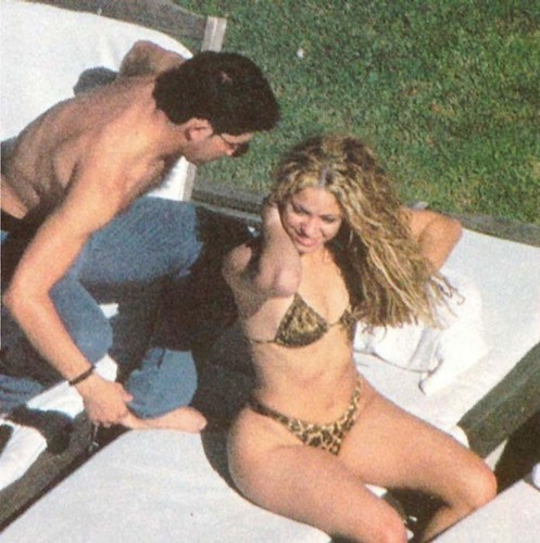 shakira and friend sexy