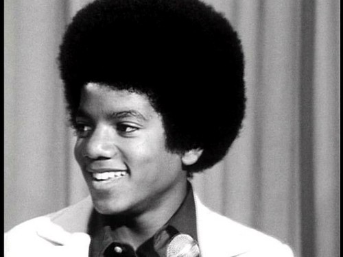sooo cute!!!!! amor your smile Michael!