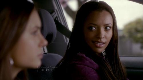 Elena Gilbert fond d'écran titled 1x01 - Pilot