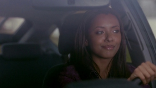 1x01 - Pilot - katerina-graham Screencap