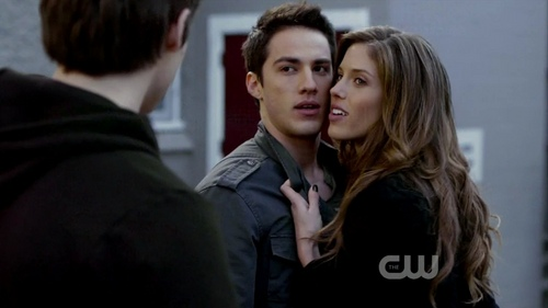1x01 - Pilot - tyler-lockwood Screencap