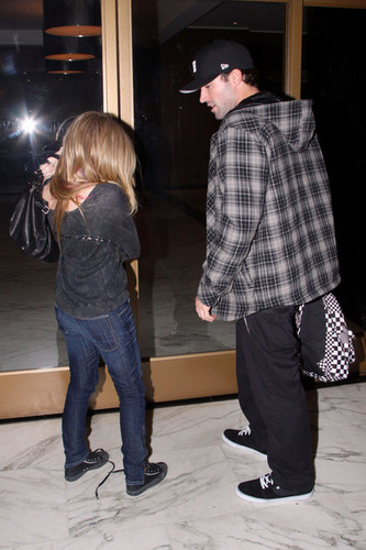 Avril, Brody and his mother out and about!