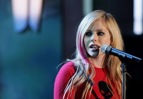 Avril Live तस्वीरें