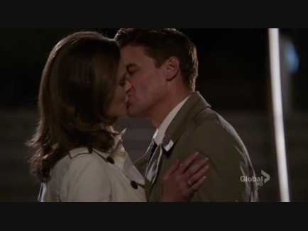 Bones and Booths present day kiss