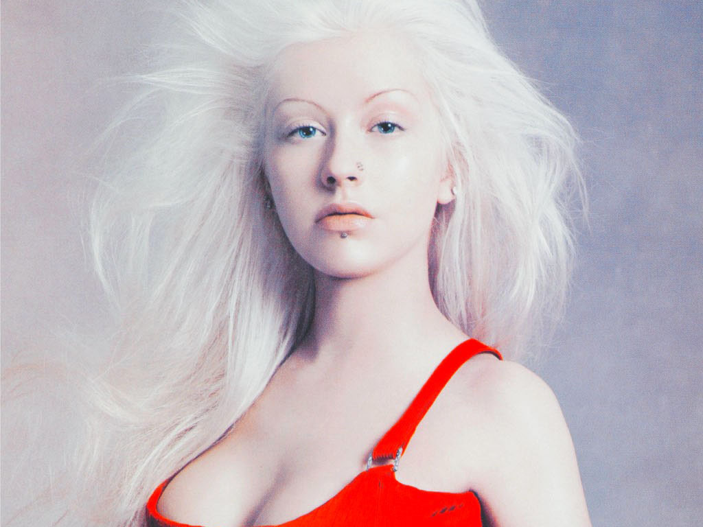 Download this Christina Aguilera picture