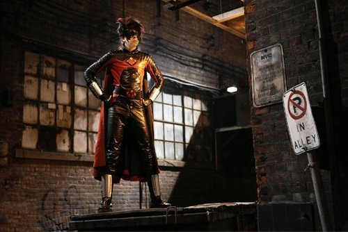 Christopher as Red Mist in the movie Kick 나귀, 엉덩이