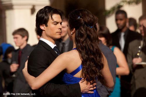 Damon and Elena 1x19 'Miss Mystic Falls' (NEW STILLS!)