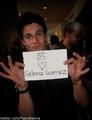 David Love Selena (L)