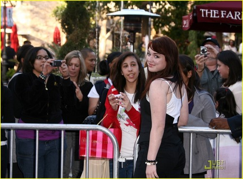 Jennifer Stone wallpaper titled Jennifer @ The Perfect Game premiere