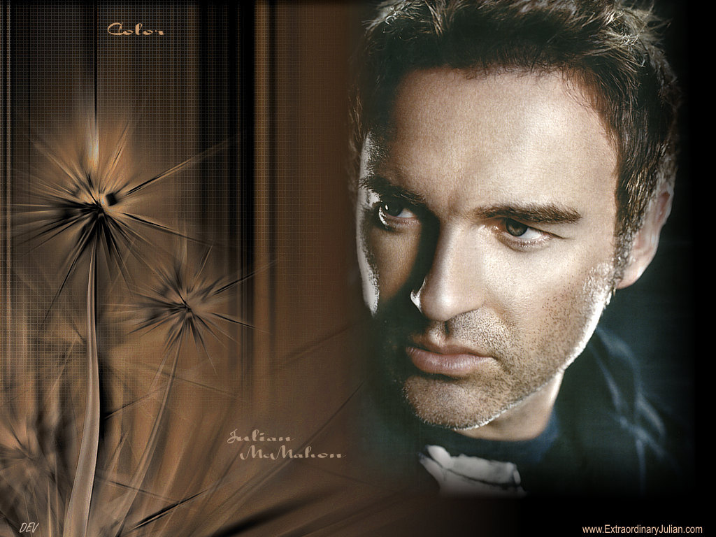 Julian McMahon - Photo Set
