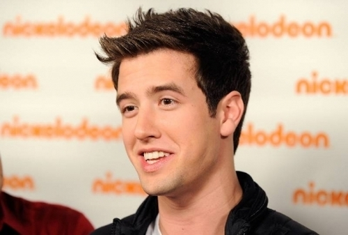 Logan Henderson wolpeyper entitled Logan H.