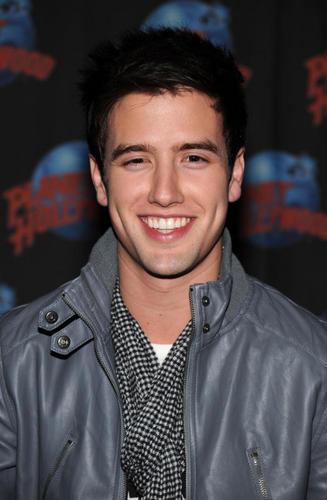 Logan!!