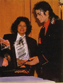 Michael jackson is the best :) <3 - michael-jackson photo